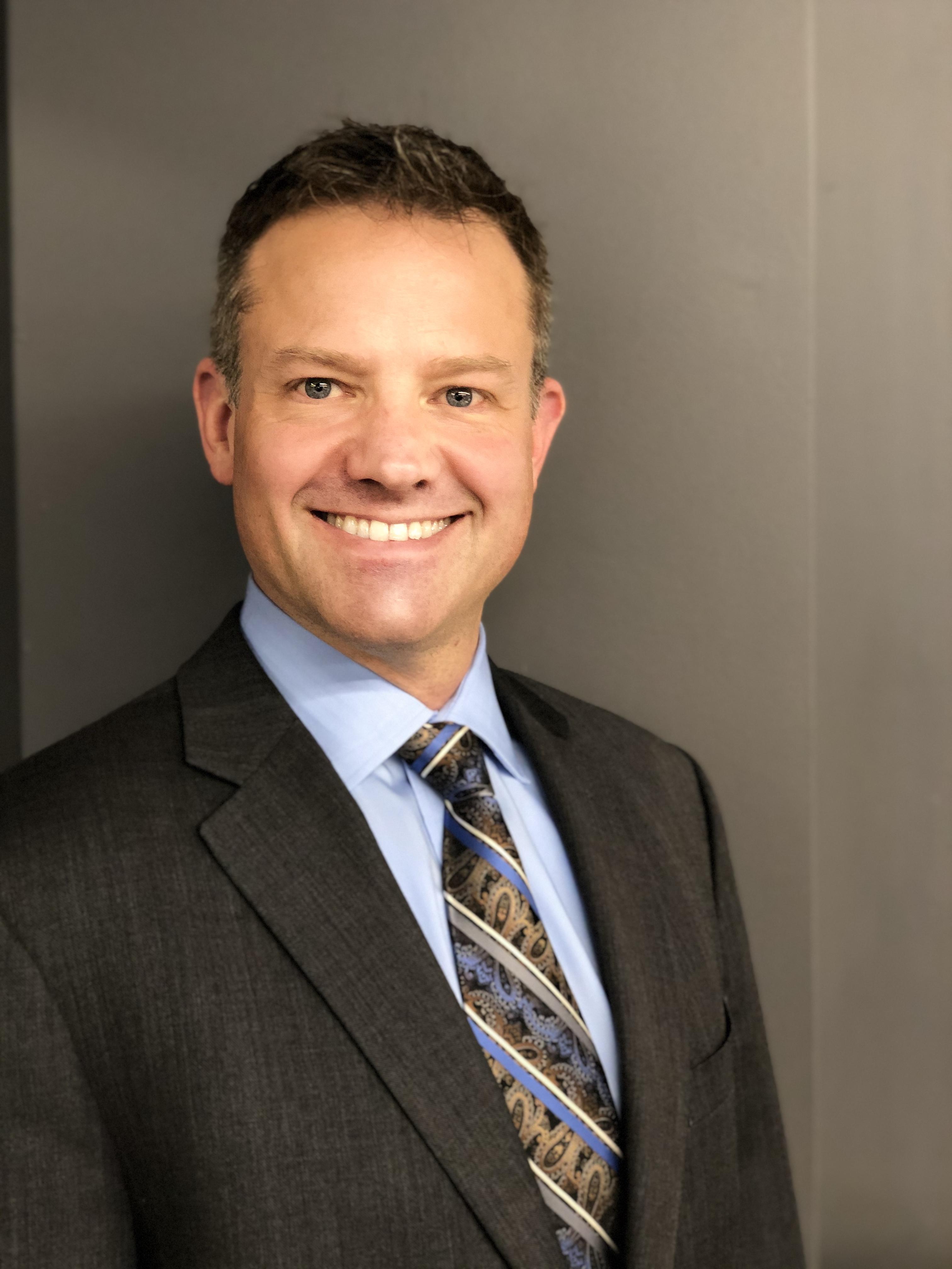 Gabriel Hill, Advisor